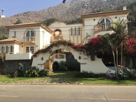 Casa En Venta Club Residencial Los Girasoles De Huampani