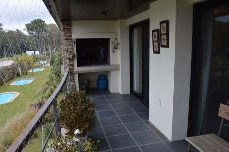 Espectacular Apto 3 Dorm Estufa Y Parrillero, Vista Al Lago!