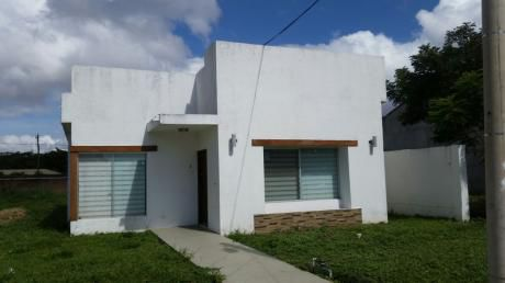 """Casa En Venta """"condominio Los Mangales – 5to Anillo Entre Radial 26 Y 27"""""""