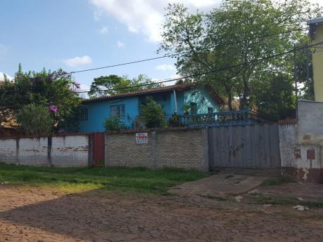 En Venta Casa En área 5 - Pdte. Franco, A 700 Metros De La Upe