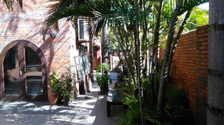 Vendo Hermosa Residencia, Excelente Ubicación En Esquina!!