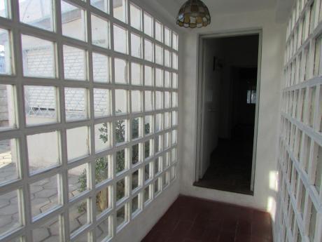 Casa En Barrio Buceo, Próxima A Av. Italia Y Comercio