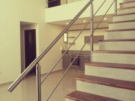 Vendo/alquilo Departamento Tipo Duplex. Villa Aurelia