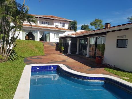 Alquilo Casa C/piscina Z/villa Morra