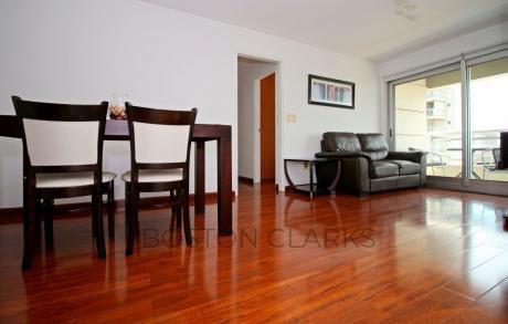 Apartamento En Alquiler: 2 Dormitorios, 1 Baño Y 1 Gge En T. Náuticas