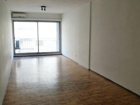 Apartamento Venta 1 Dormitorio 18 Y Roxlo Piso Alto Frente