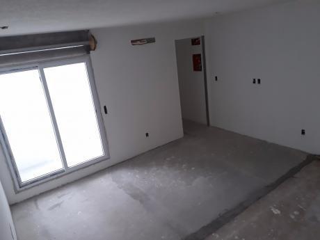 Apartamento - Centro - A Estrenar - 2 Dormitorios Con Patio