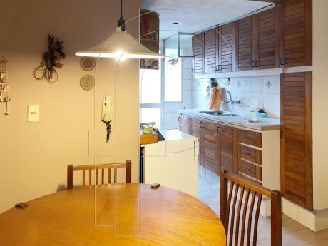 Muy Lindo Apartamento A Pocos Metros De La Rambla