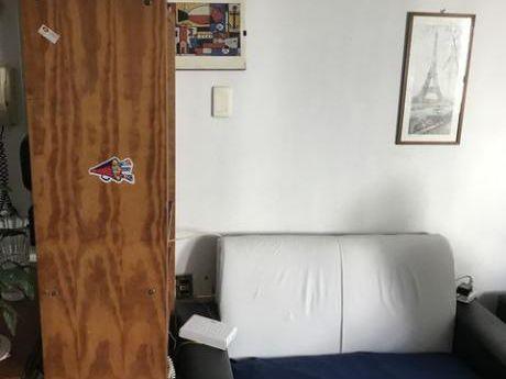 Apartamento En Ciudad Vieja Vivienda U Oficina!.