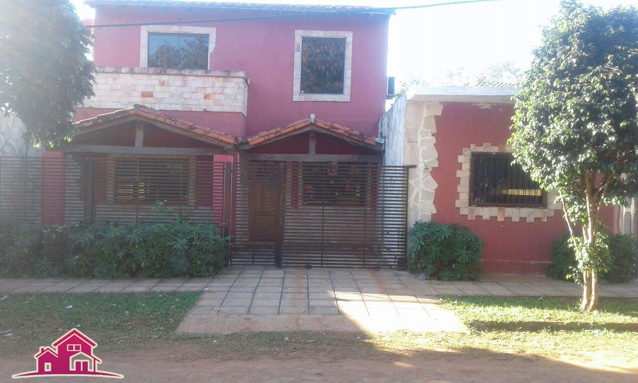Vendo Hermosa Casa De 6 Dormitorios En El Barrio Laurelty – Luque.