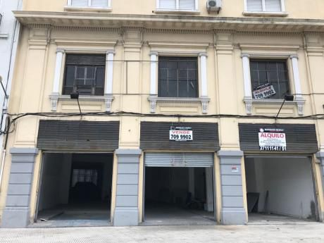 Edificio Rambla Puerto Y 33