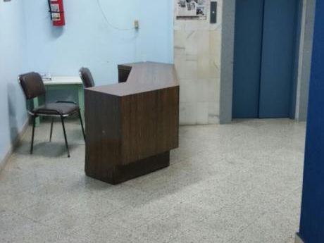 Alquilo Consultorio En CLínica Gatti