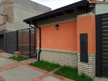Vendo  Duplex Tipo Departamentos En Mariano Roque Alonso