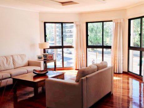 Venta Apartamento Montevideo Punta Carretas 3 Dormitorios, Servicio, Garaje