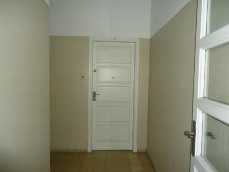 Excelente Apartamento Ideal Estudiantes 2 Dorm, Patio.