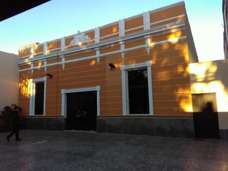 Alquilo Amplia Oficina En El Centro De Asunción