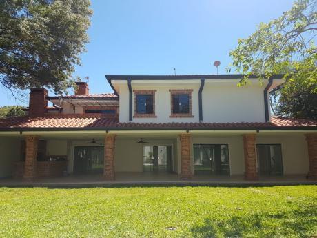 Vendo Residencia De Lujo ( Manorá)