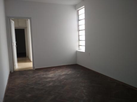 Lindo Apto Dos Dormitorios En El Centro