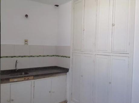 Excte Casa De Altos Prox Av Italia Y Propios. 2 Dorm Balcon, Azotea