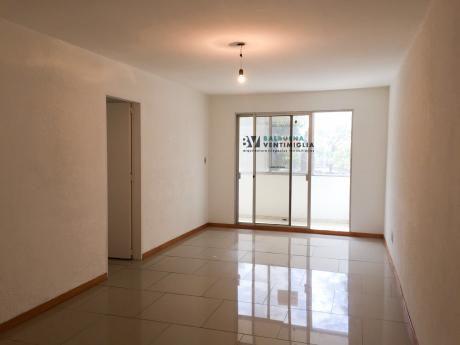 Apartamento De 2 Dormitorios Y 2 BaÑos En Venta  - Cordon