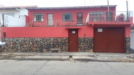 De Ocasion Vendo Casa En Villa Rosario Avenida Piray Entre 3er Y 4to Anillo