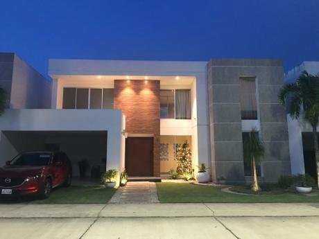 Casa De Lujo En Venta En Condominio Jardines Del Norte 3