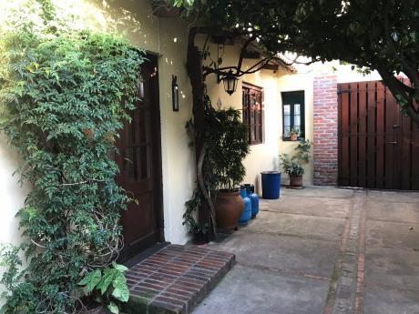 Dos Casas Independientes En Un Mismo Padrón