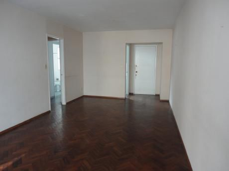 Excelente Apartamento En Venta De 3 Dormitorios C/gge Y Box- Pocitos
