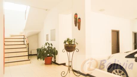 Departamento En Alquiler Completamente Amoblado. Condominio San Miguel