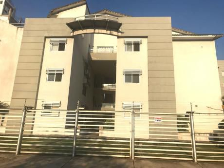 En Venta Departamento En Condominio Las Tres Torres
