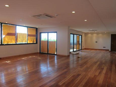 Aquilo Departamento De 3 Dormitorios En Suite De 315 M2