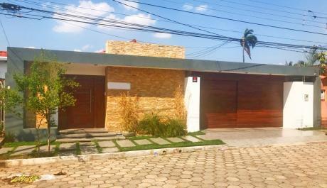 Hermosa Casa En Urbari