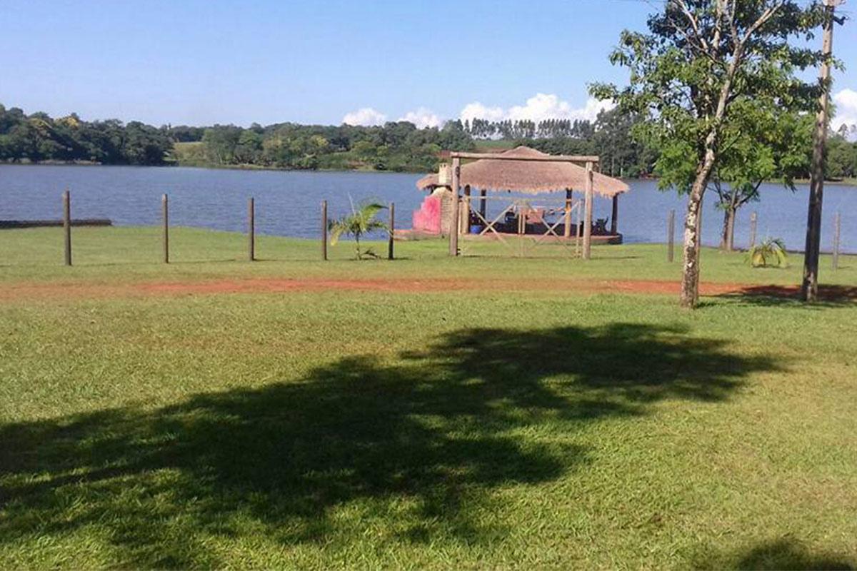 TERRENO: Vendo Terreno Sobre El Lago Acaray en Ciudad del Este