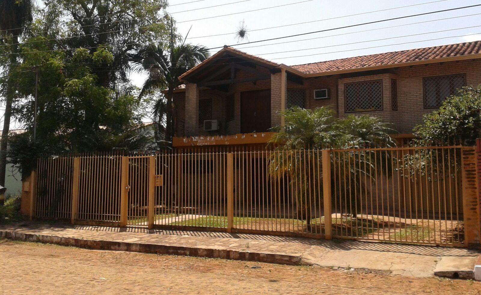 VENDO V-026 Residencia - Barrio Amelia San Lorenzo