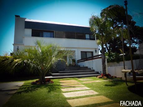 Gran Residencia Sobre Av. Las Américas, Parque Miramar