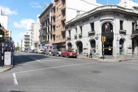 Alquiler De Local Comercial En Centro