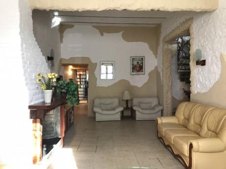 Alquiler Casa Ideal Familia Grande O Empresa 4 Dormitorios Mas Monoambiente