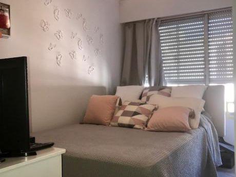 Venta Apartamento Montevideo Pocitos 4 Dormitorios Servicio Garaje