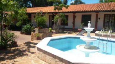 Hermosa Casa Histórica Colonial En Aregua