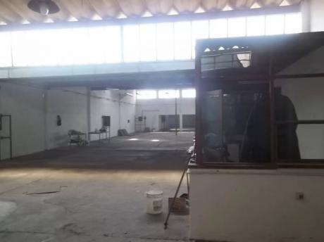 Local Industrial O Deposito Sobre Camino Maldonado 1100mts2