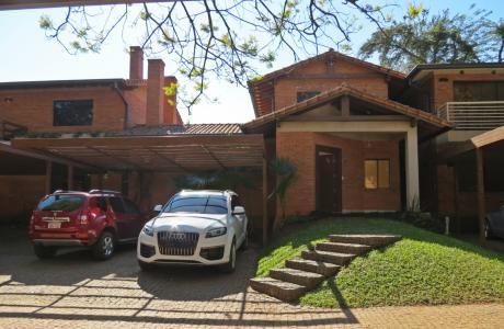 Vendo Hermosa Casa En Condominio Villa Del Parque.