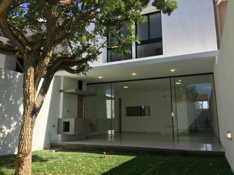 Ultimas Tres Casas En Pre-venta En Avenida Alemana Y 7mo Anillo