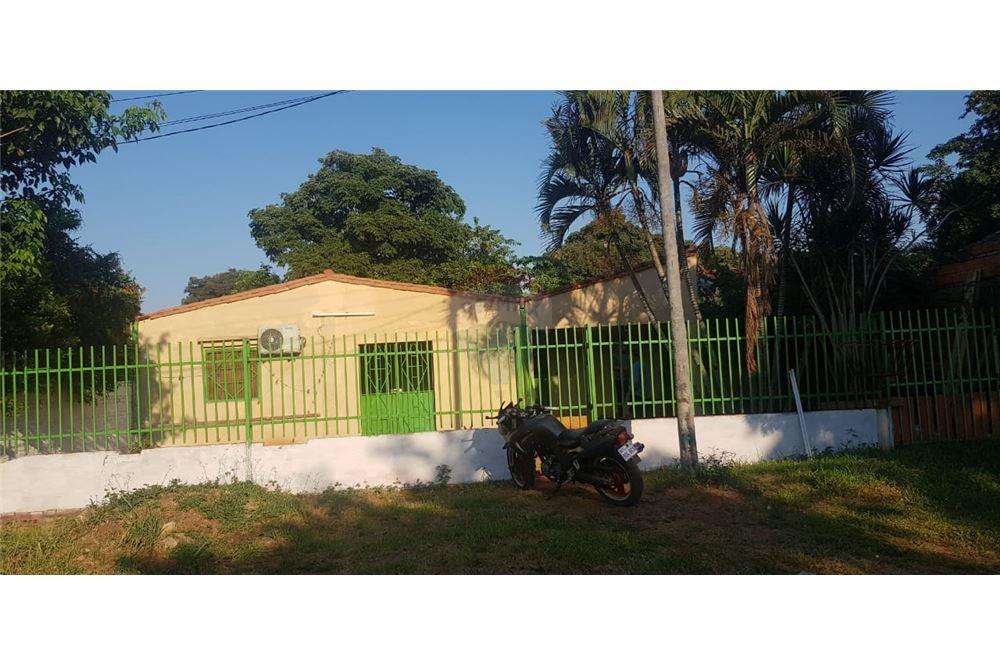 Vendo Casa  A  Precio De Terreno En Luque