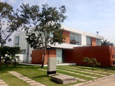Hermosa Y Amplia Casa En Venta Condominio Los Batos
