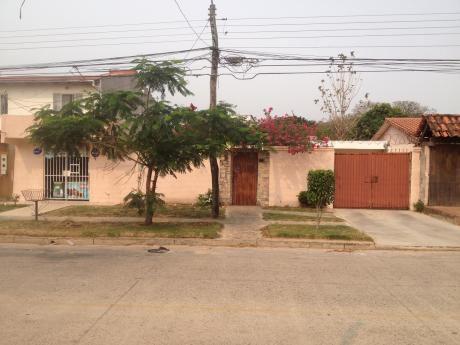 Casa Chalet Zona Norte, Para Negocio O Empresa Constructora
