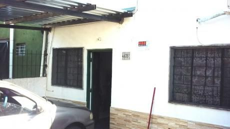 La Teja Casa 1 Dormitorio Con Cochera Y Patio