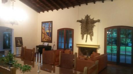 Suite En Mansion Colonial En Villa Morra