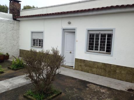 Linda Casa Más Apto Si Banco Zona Jardines