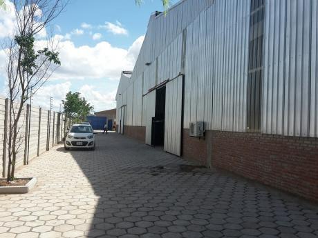 Galpón En Parque Industrial 550m2.