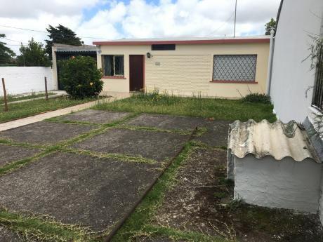 Casa Central - Linda Casa Con Terreno